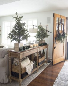 The Best Winter Entryway Decor Ideas 02