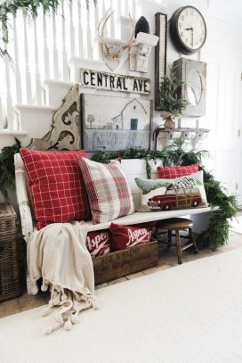 The Best Winter Entryway Decor Ideas 06
