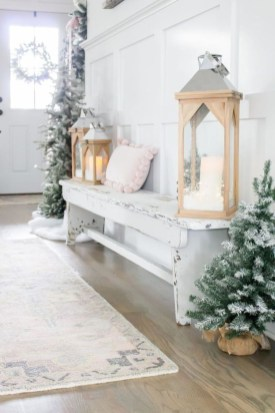 The Best Winter Entryway Decor Ideas 24
