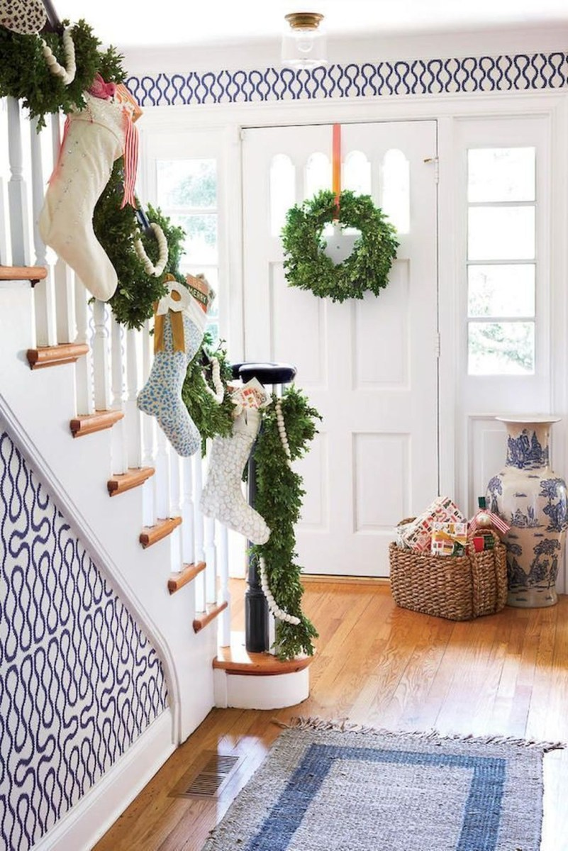 The Best Winter Entryway Decor Ideas 25