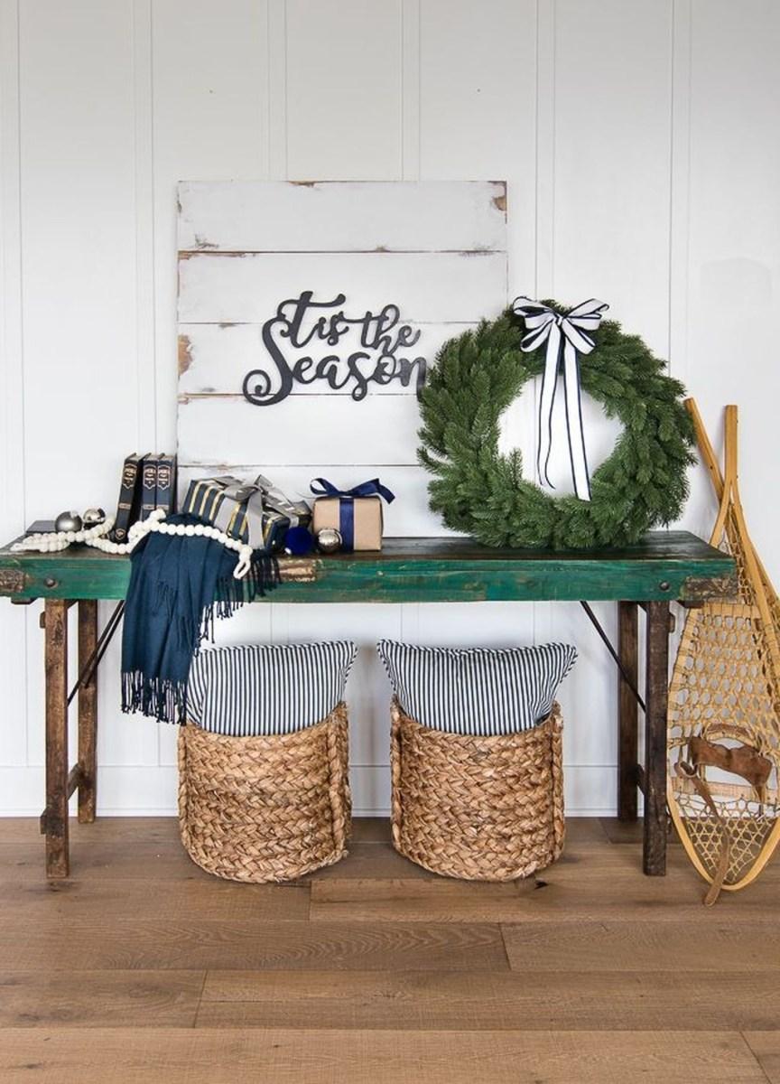 The Best Winter Entryway Decor Ideas 27