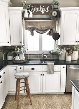Totally Inspiring Farmhouse Kitchen Design Ideas 15