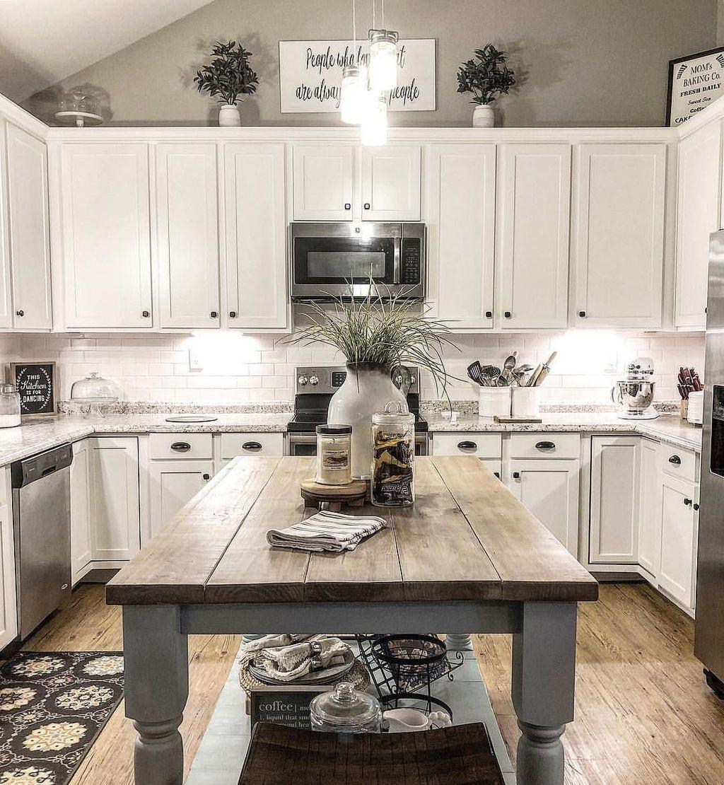 Totally Inspiring Farmhouse Kitchen Design Ideas 31