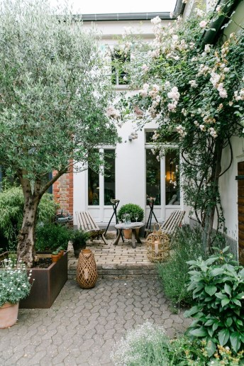 Popular Small Backyard Patio Design Ideas 36