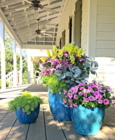 Stunning Spring Front Porch Decoration Ideas 13