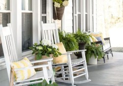 Stunning Spring Front Porch Decoration Ideas 42
