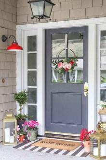 Stunning Spring Front Porch Decoration Ideas 44