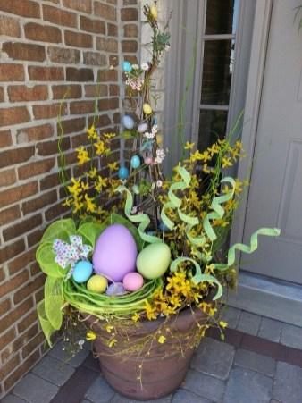 Best Easter Front Porch Decor Ideas 20