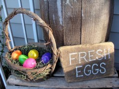 Best Easter Front Porch Decor Ideas 24