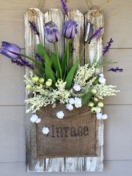 Best Easter Front Porch Decor Ideas 35