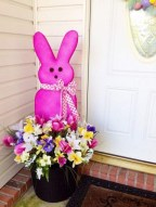 Best Easter Front Porch Decor Ideas 38