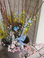 Best Easter Front Porch Decor Ideas 40