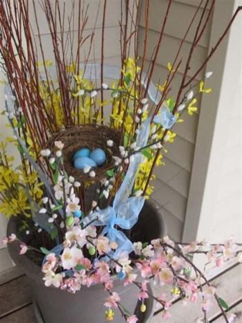 Best Easter Front Porch Decor Ideas 40