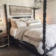 Elegant Farmhouse Bedroom Decor Ideas 13