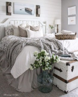 Elegant Farmhouse Bedroom Decor Ideas 27