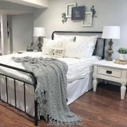 Elegant Farmhouse Bedroom Decor Ideas 40