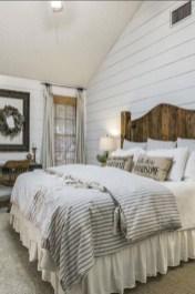 Elegant Farmhouse Bedroom Decor Ideas 46