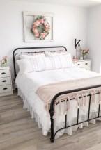 Elegant Farmhouse Bedroom Decor Ideas 48