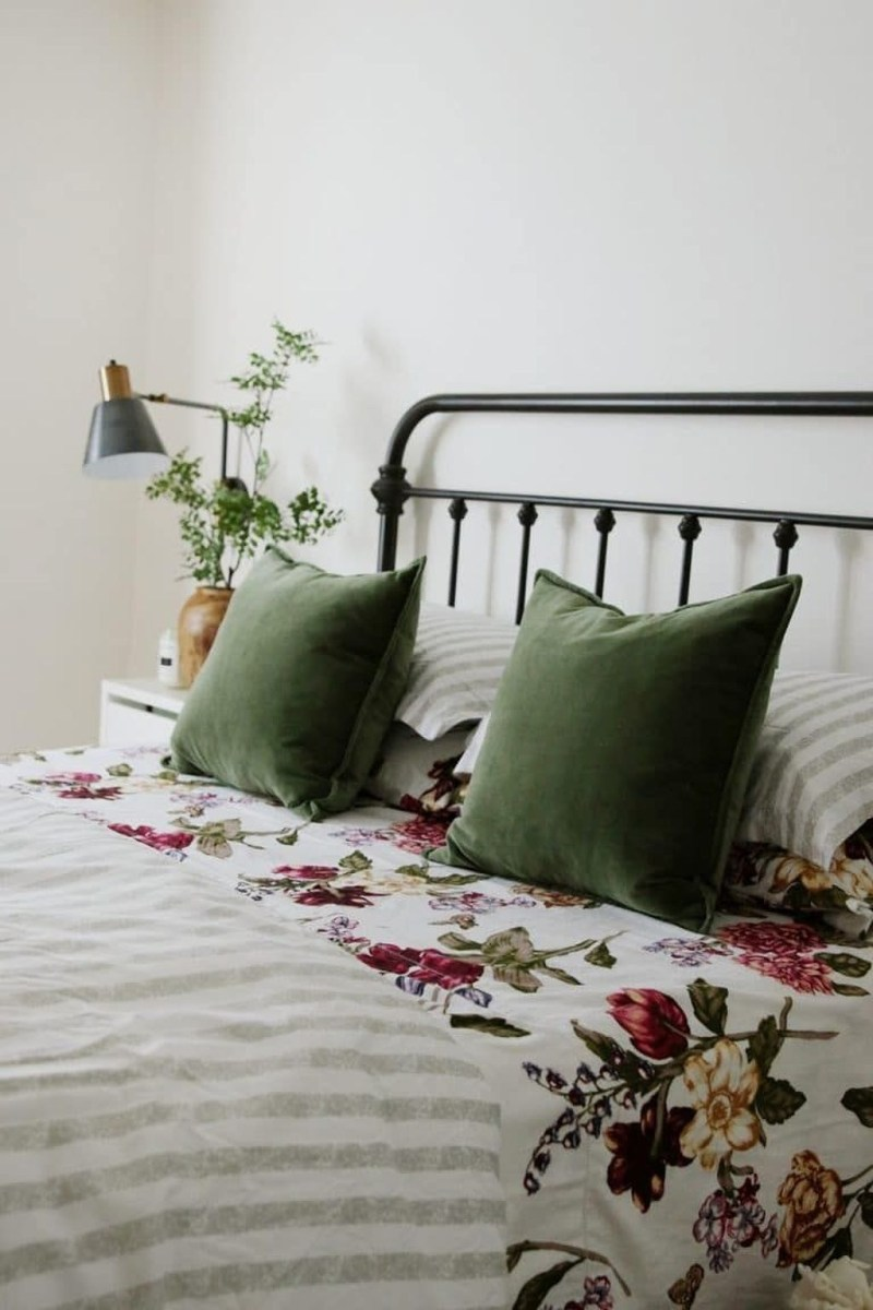 Perfect Spring Bedroom Decorating Ideas 11
