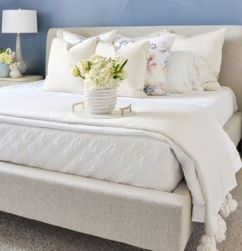 Perfect Spring Bedroom Decorating Ideas 15