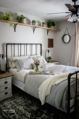Perfect Spring Bedroom Decorating Ideas 24
