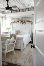 Perfect Spring Bedroom Decorating Ideas 28