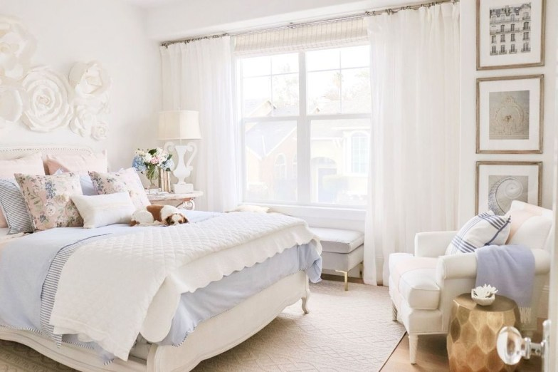 Perfect Spring Bedroom Decorating Ideas 36