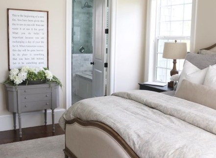 Perfect Spring Bedroom Decorating Ideas 43