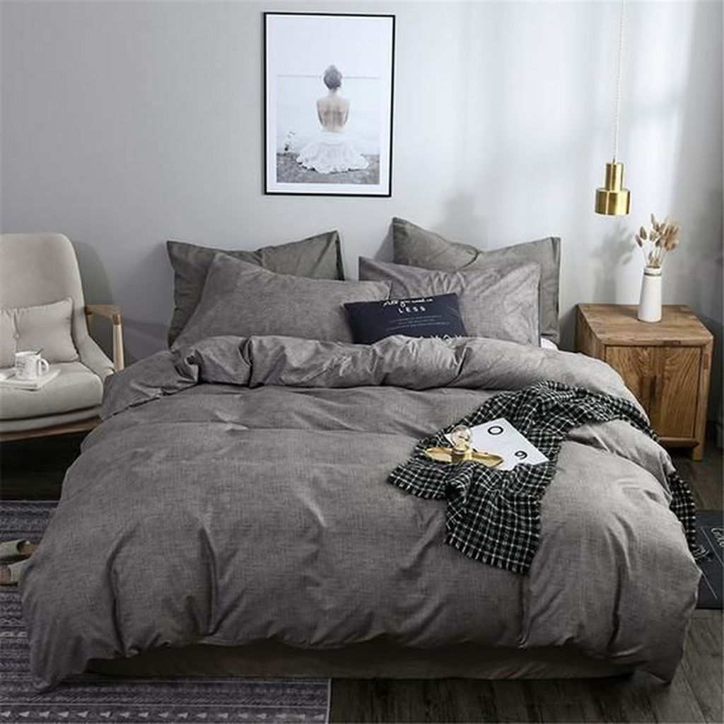 Amazing Winter Bedding Ideas To Get A Cozy Bedroom 43
