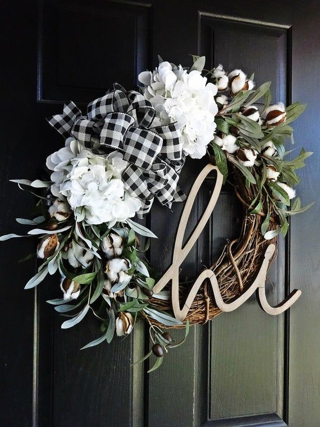 Awesome Winter Door Wreaths You Can Try This Season 09