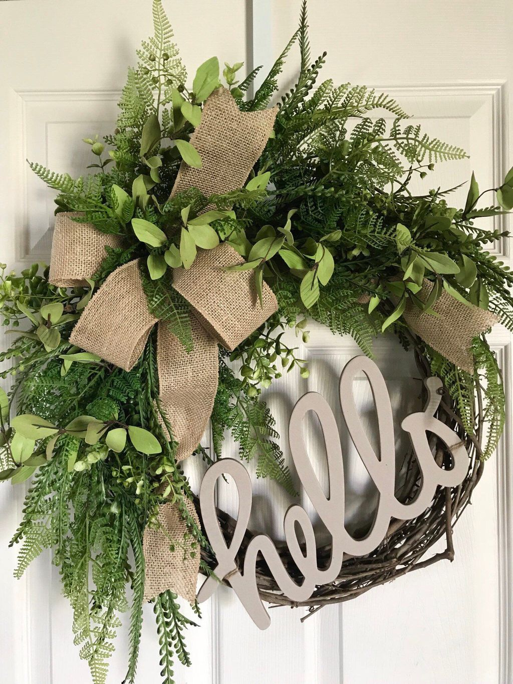 Awesome Winter Door Wreaths You Can Try This Season 11