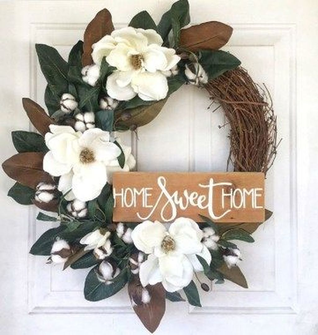 Awesome Winter Door Wreaths You Can Try This Season 31
