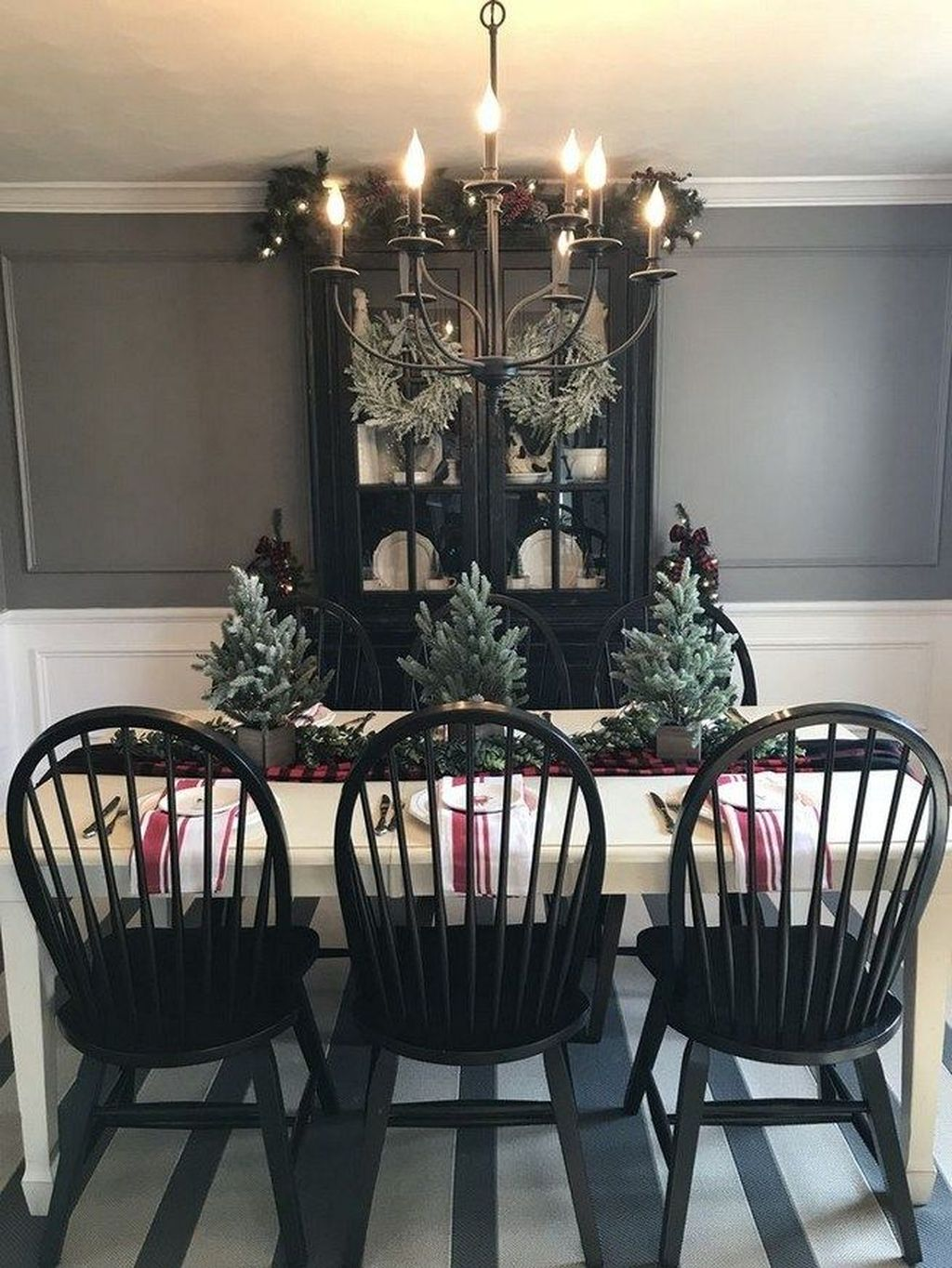 Beautiful Winter Dining Room Table Decor Ideas Which You Definitely Like 07