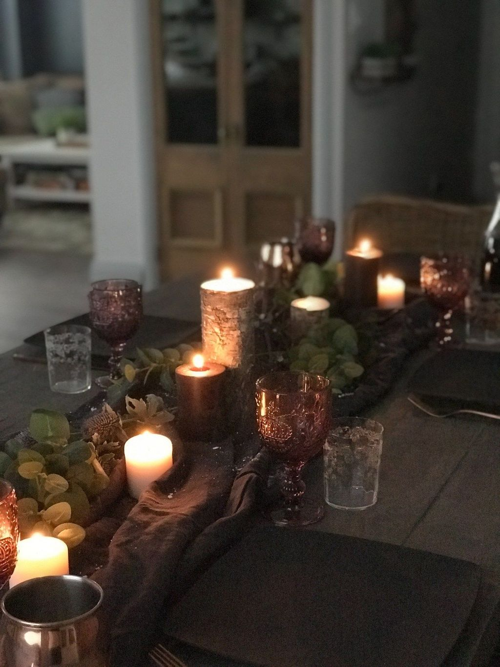Beautiful Winter Dining Room Table Decor Ideas Which You Definitely Like 09