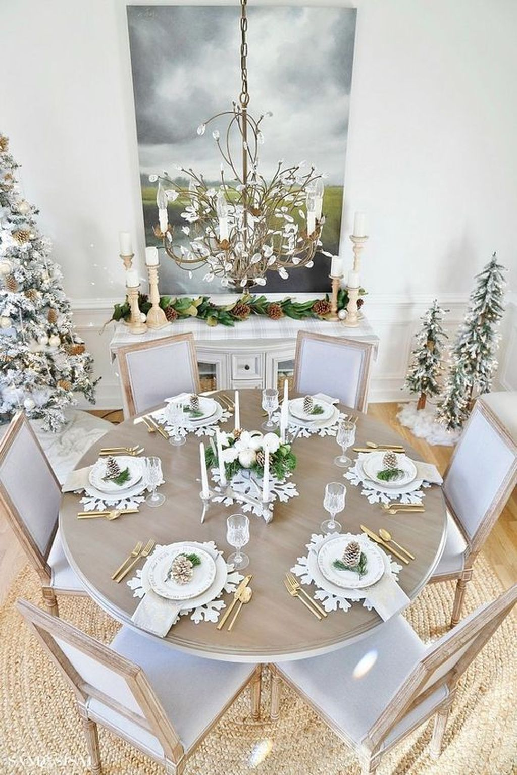 Beautiful Winter Dining Room Table Decor Ideas Which You Definitely Like 22