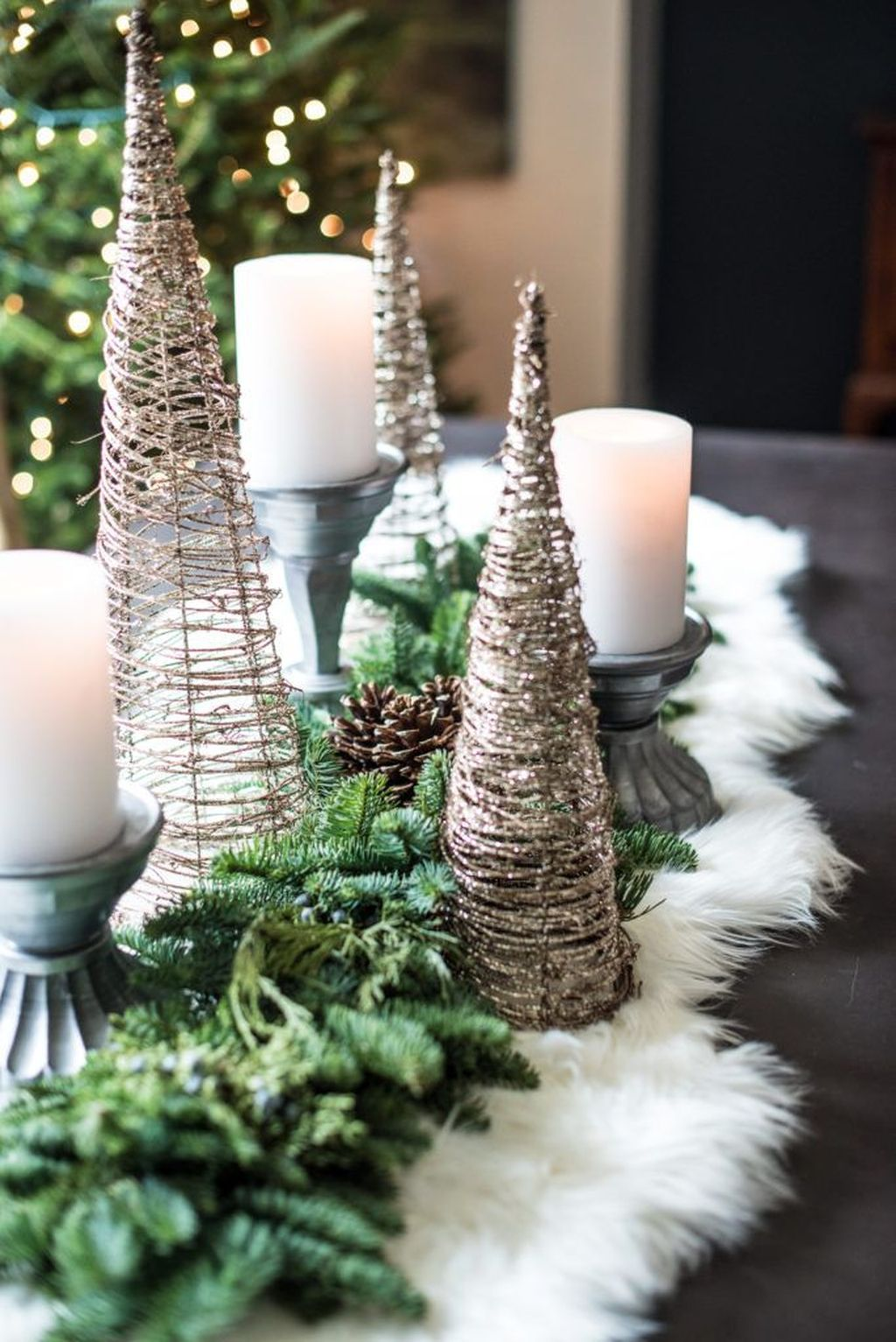 Beautiful Winter Dining Room Table Decor Ideas Which You Definitely Like 26