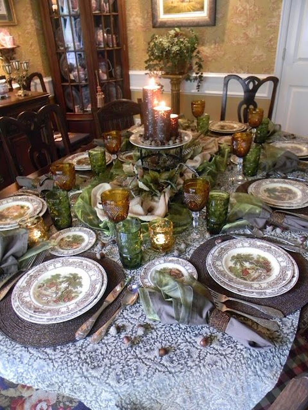 Beautiful Winter Dining Room Table Decor Ideas Which You Definitely Like 35