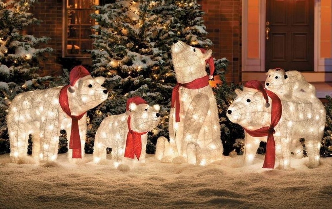 Beautiful Winter Wonderland Lighting Ideas For Outdoor And Indoor Decor 24
