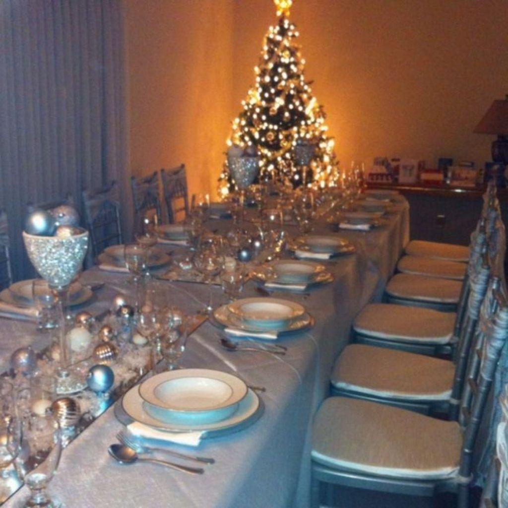 Beautiful Winter Wonderland Lighting Ideas For Outdoor And Indoor Decor 30