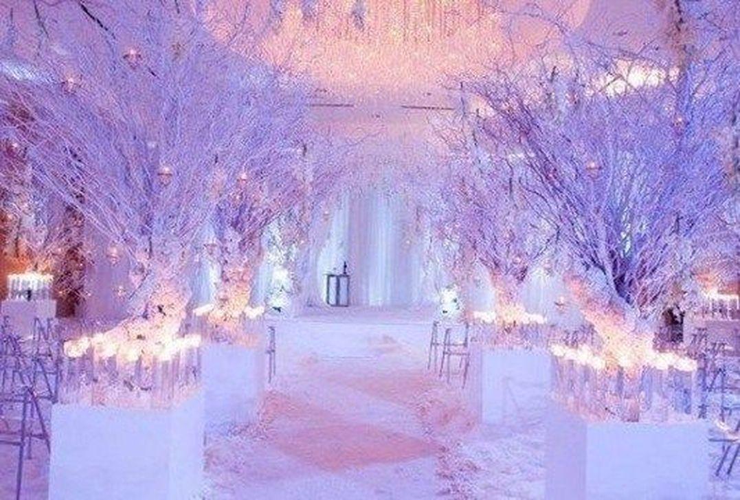 Beautiful Winter Wonderland Lighting Ideas For Outdoor And Indoor Decor 31