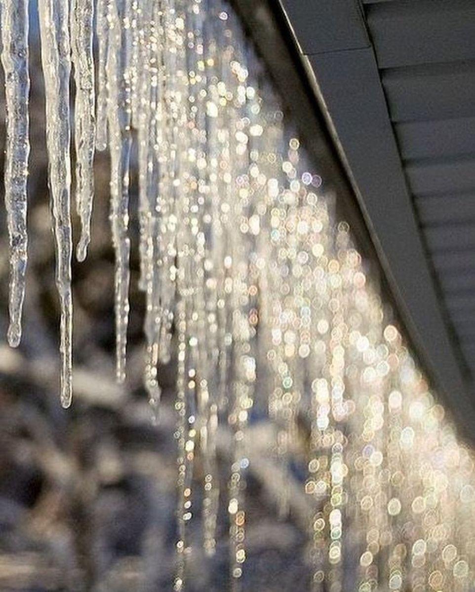 Beautiful Winter Wonderland Lighting Ideas For Outdoor And Indoor Decor 33