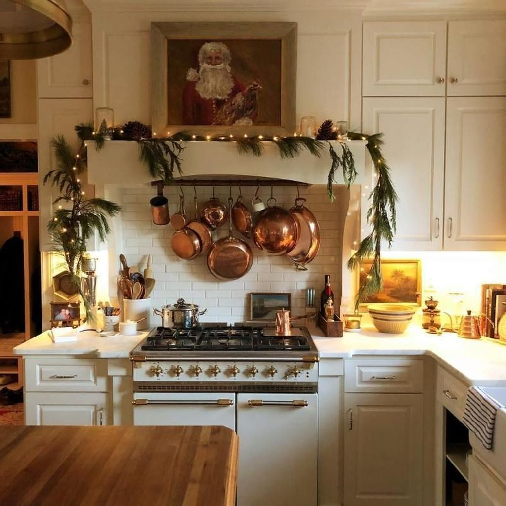 Inspiring Winter Kitchen Decor Ideas You Can Try 02