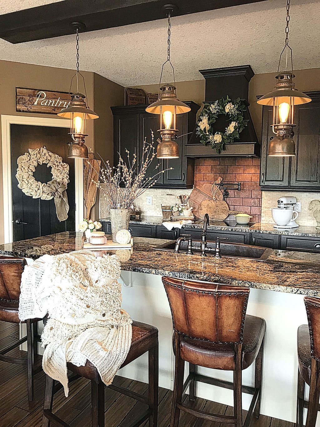 Inspiring Winter Kitchen Decor Ideas You Can Try 05