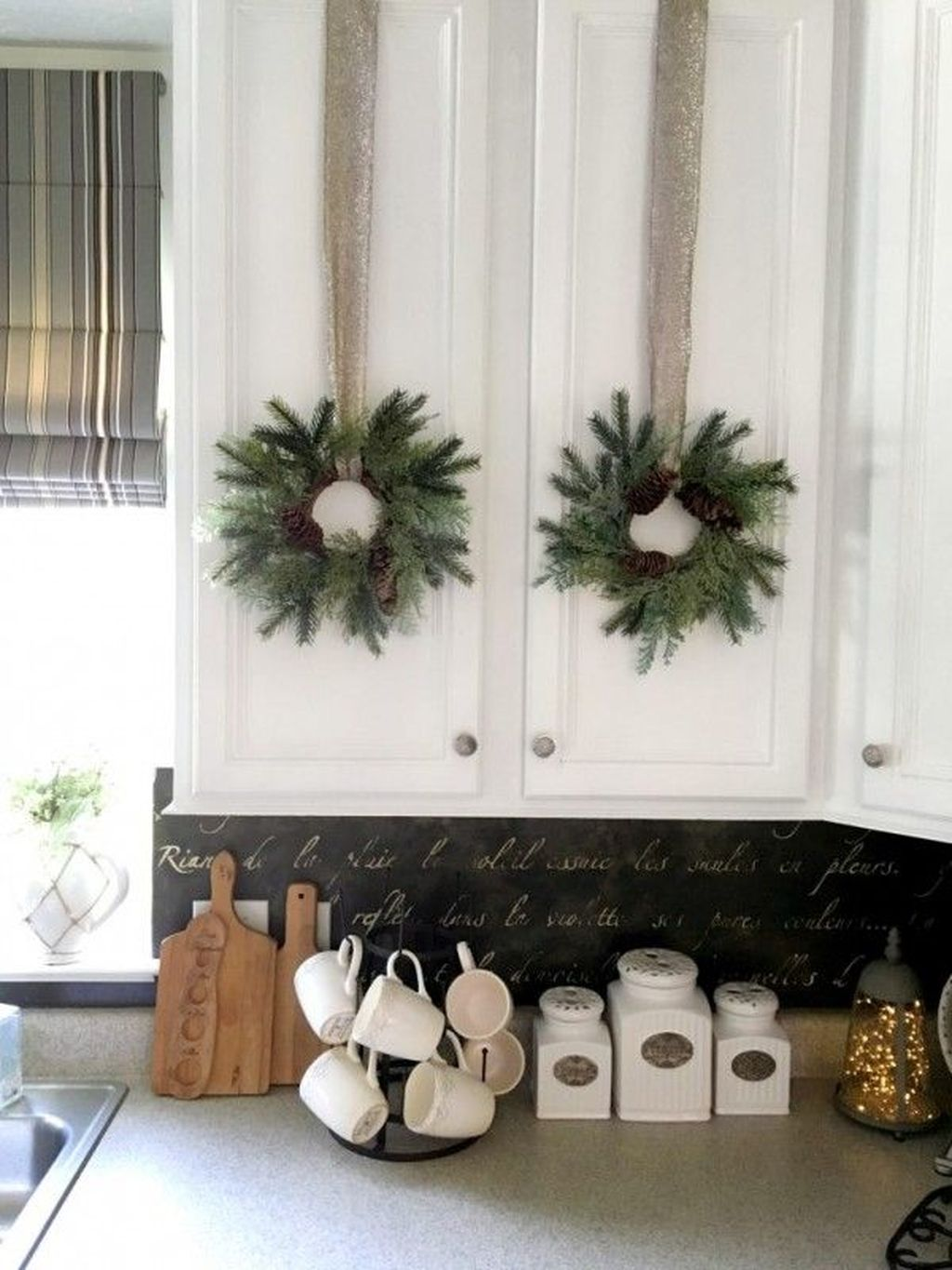 Inspiring Winter Kitchen Decor Ideas You Can Try 18