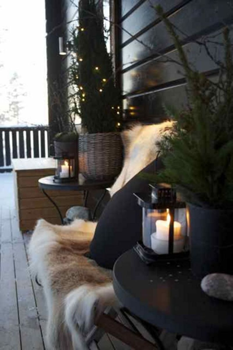 Popular Outdoor Decor Ideas For This Winter 22