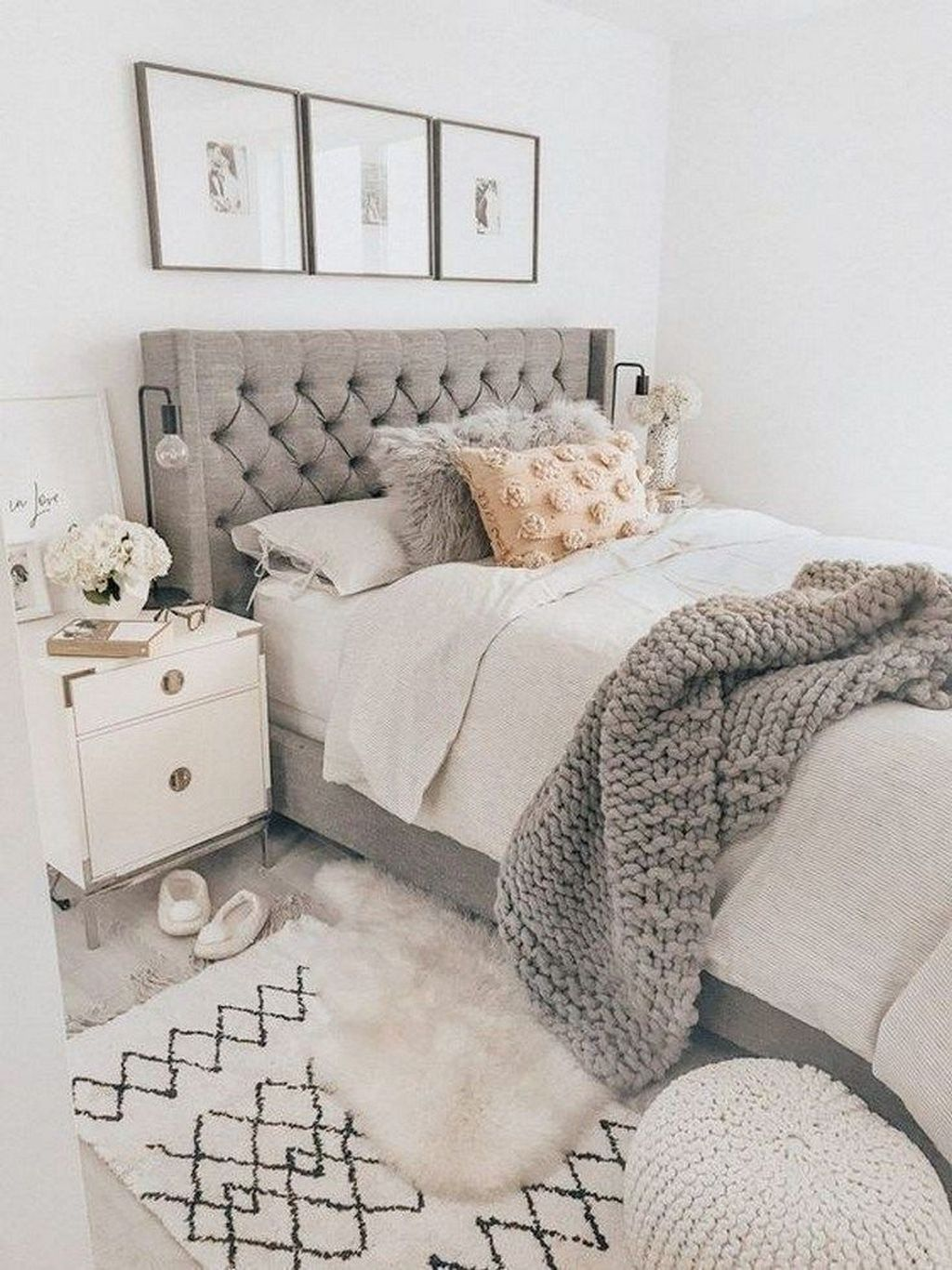Admirable Small Bedroom Decor Ideas You Never Seen Before 29