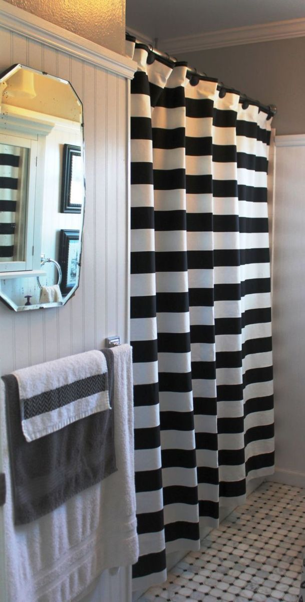 Amazing Black And White Shower Curtain For Your Bathroom Decor 31