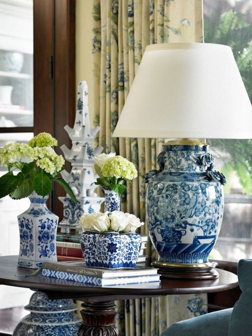 Beautiful Ginger Jars Decor Ideas For Living Rooms 04