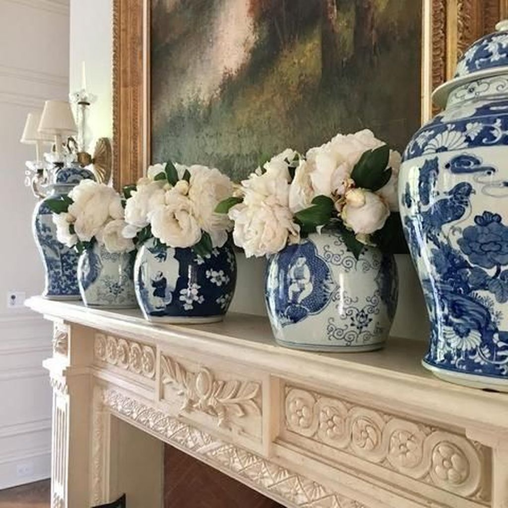 Beautiful Ginger Jars Decor Ideas For Living Rooms 12