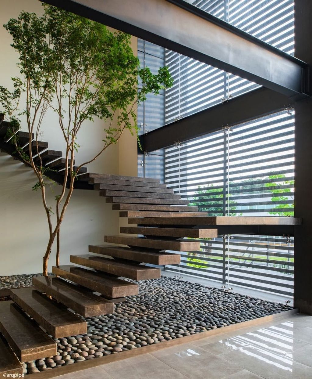 Brilliant Staircase Design Ideas To Beautify Your Interior 16